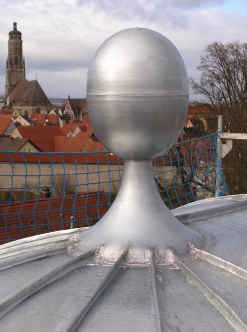 Zierspitze aus Titan-Zink für Kuppeldach
